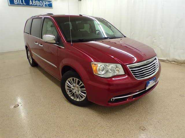 Chrysler TOWN & COUNTRY 2011 $6000.00 incacar.com