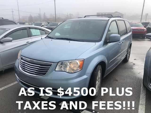 Chrysler TOWN & COUNTRY 2013 $4500.00 incacar.com