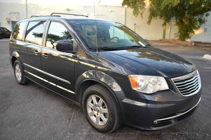 Chrysler TOWN & COUNTRY 2013 $6999.00 incacar.com