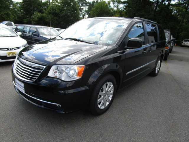 Chrysler TOWN & COUNTRY 2014 $14995.00 incacar.com