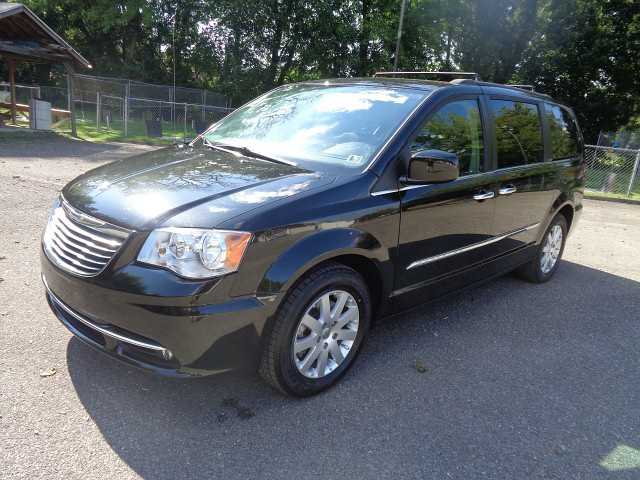Chrysler TOWN & COUNTRY 2014 $16900.00 incacar.com