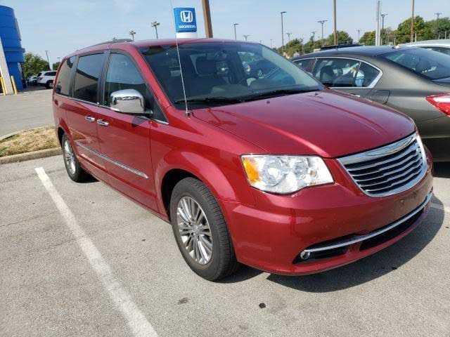 Chrysler TOWN & COUNTRY 2014 $16425.00 incacar.com