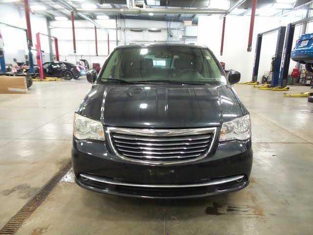 Chrysler TOWN & COUNTRY 2014 $8664.00 incacar.com
