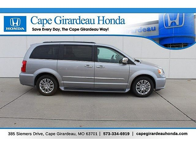 used Chrysler TOWN & COUNTRY 2015 vin: 2C4RC1CG0FR755094