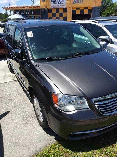 Chrysler TOWN & COUNTRY 2015 $5995.00 incacar.com