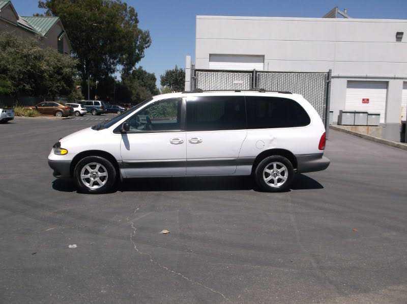 Dodge Caravan 2000 $2495.00 incacar.com