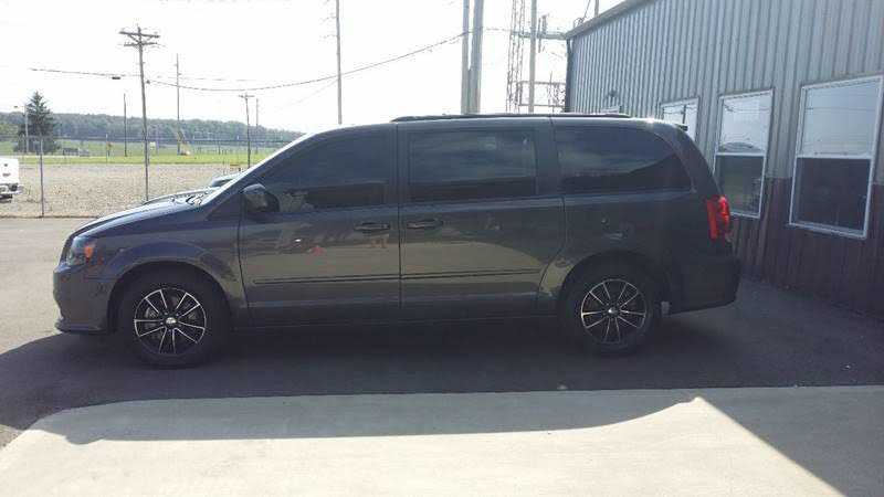 Dodge Caravan 2017 $18900.00 incacar.com