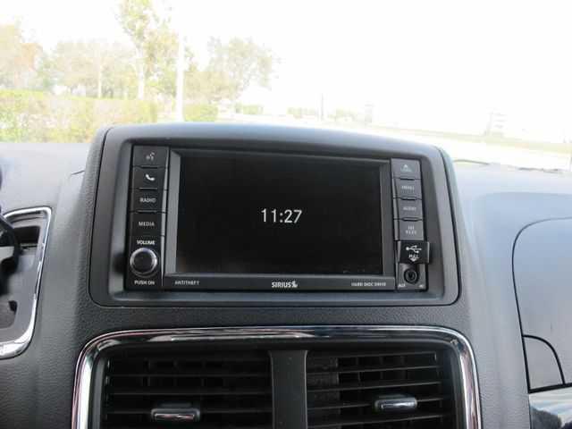 Dodge Caravan 2017 $15472.00 incacar.com