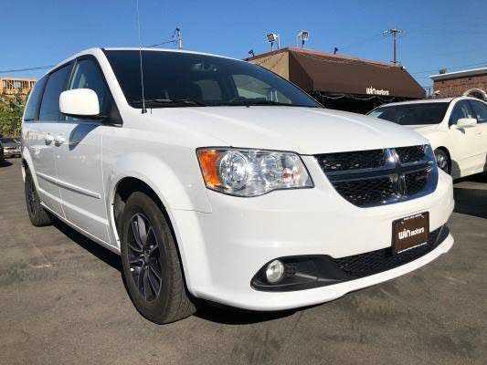 Dodge Caravan 2017 $13977.00 incacar.com