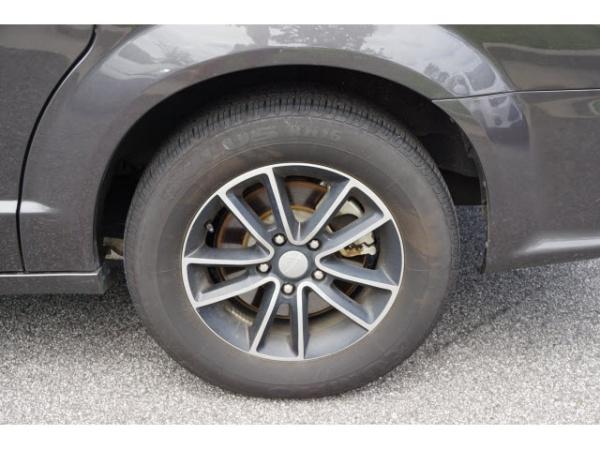 Dodge Caravan 2018 $16995.00 incacar.com
