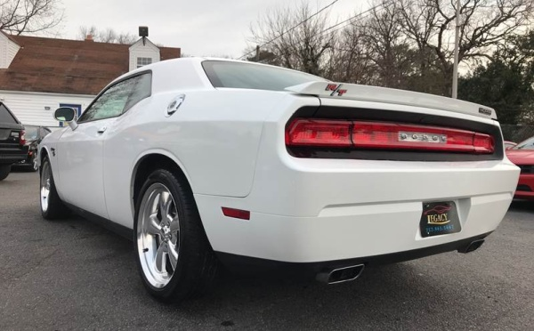 Dodge Challenger 2011 $19995.00 incacar.com