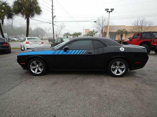 Dodge Challenger 2015 $16988.00 incacar.com