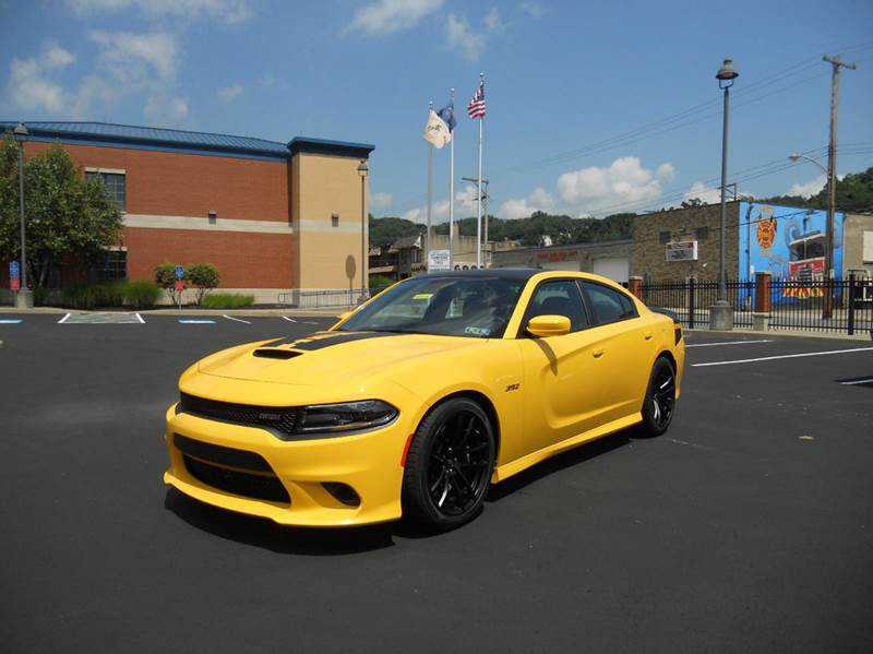 used Dodge Charger 2017 vin: 2C3CDXGJ2HH568030