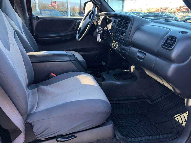 Dodge Dakota 2000 $2000.00 incacar.com