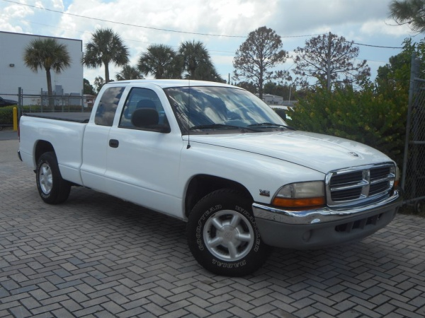Dodge Dakota 2000 $6000.00 incacar.com