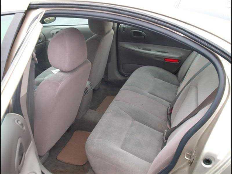 Dodge Intrepid 2003 $2495.00 incacar.com