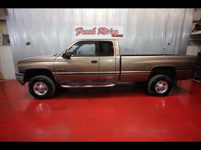 Dodge Ram 2500 2000 $8900.00 incacar.com