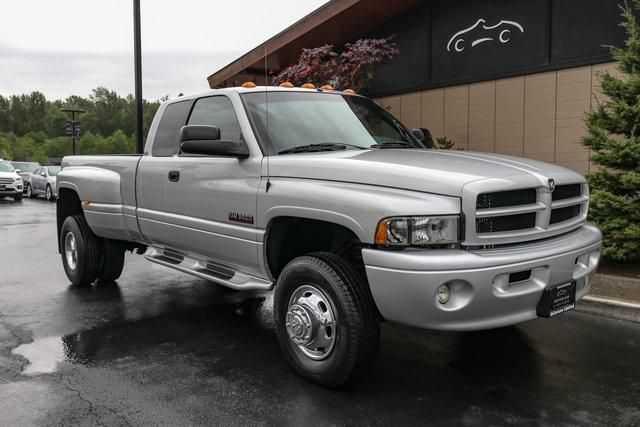 Dodge Ram 3500 2002 $17950.00 incacar.com