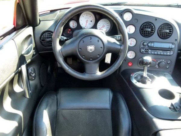 Dodge Viper 2004 $44990.00 incacar.com