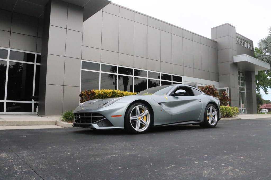 Ferrari F12 Berlinetta 2016 $239995.00 incacar.com