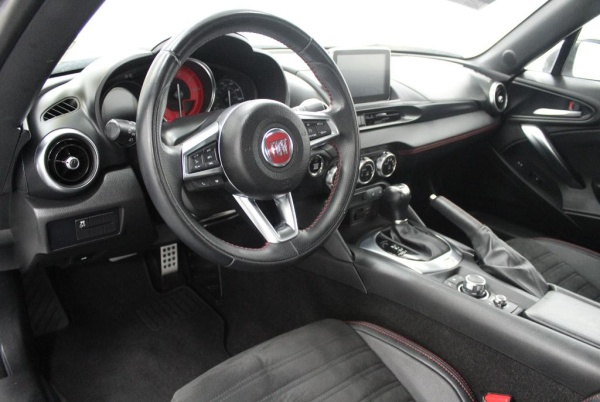 Fiat 124 Spider 2017 $24899.00 incacar.com