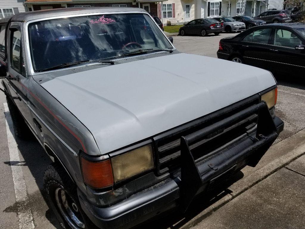 Ford Bronco 1988 $720.00 incacar.com