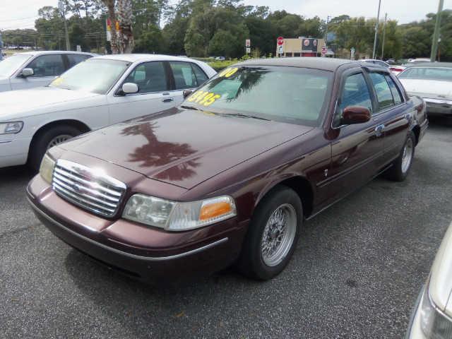 Ford Crown Victoria 2000 $2995.00 incacar.com