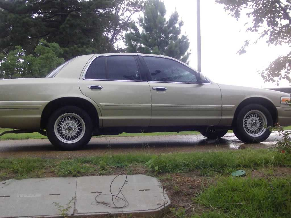 Ford Crown Victoria 2000 $3800.00 incacar.com
