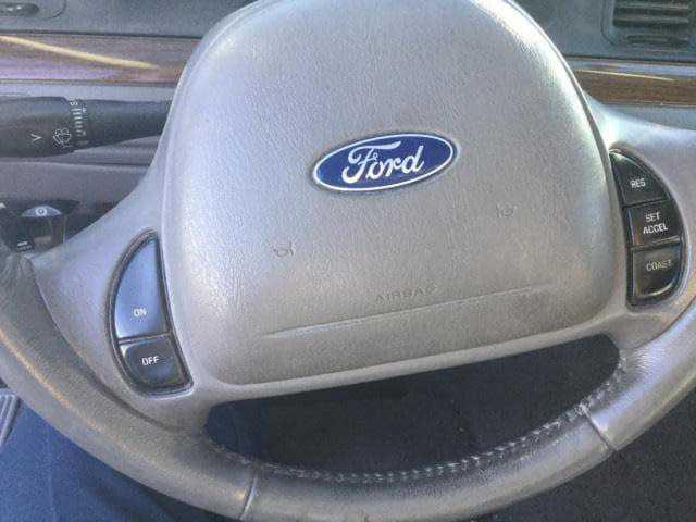 Ford Crown Victoria 2001 $2488.00 incacar.com
