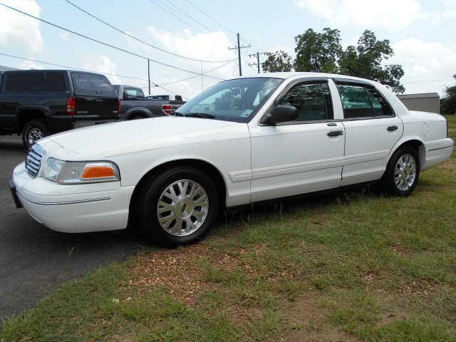 Ford Crown Victoria 2003 $5995.00 incacar.com