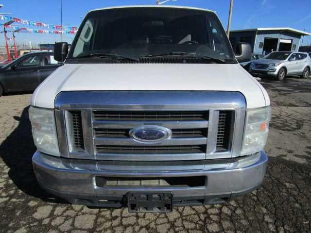 Ford E-350 2010 $5000.00 incacar.com