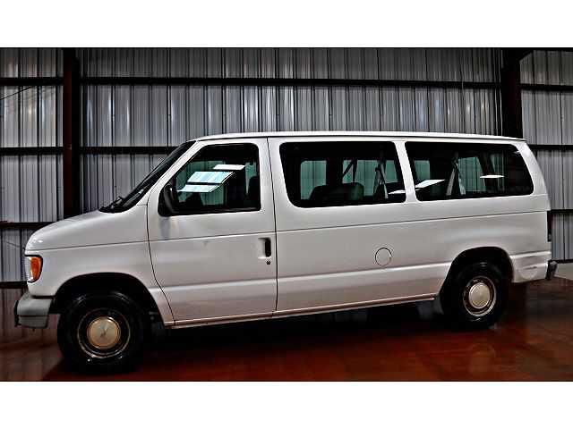 Ford Econoline 2000 $5988.00 incacar.com