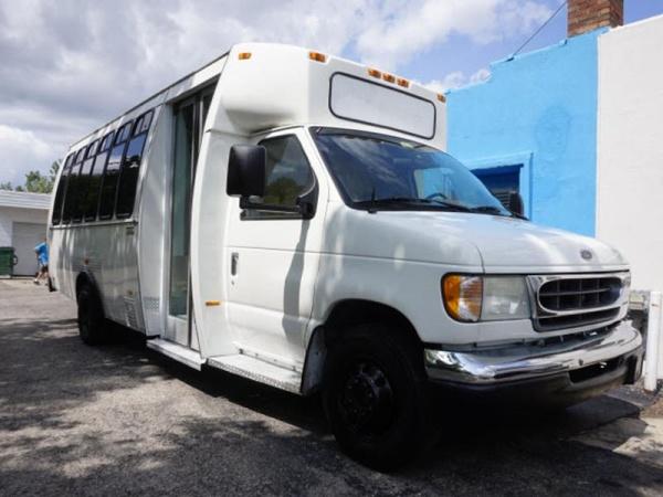 Ford Econoline 2001 $9600.00 incacar.com
