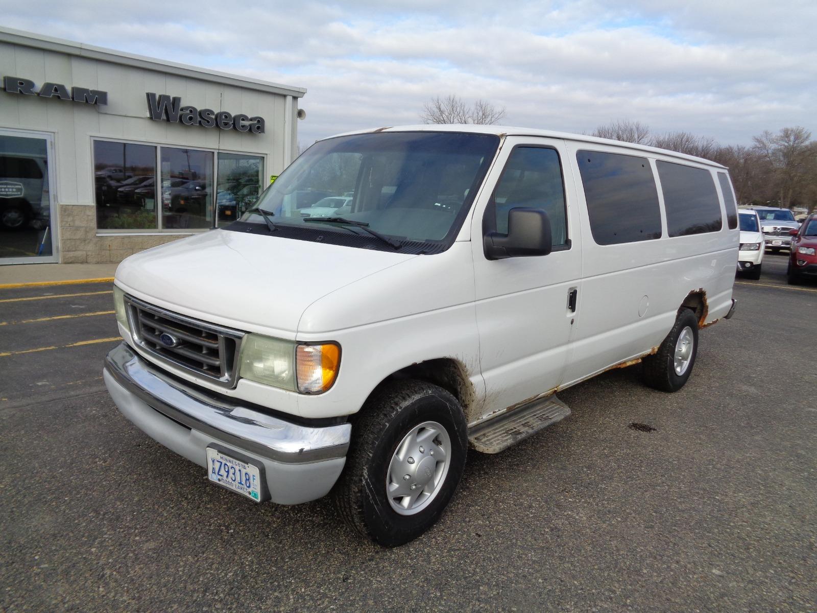 Ford Econoline 2003 $4777.00 incacar.com