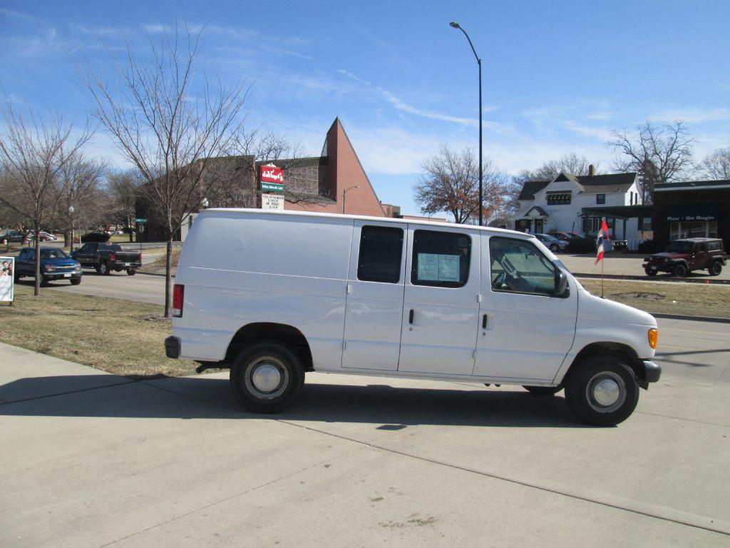 Ford Econoline 2006 $6850.00 incacar.com