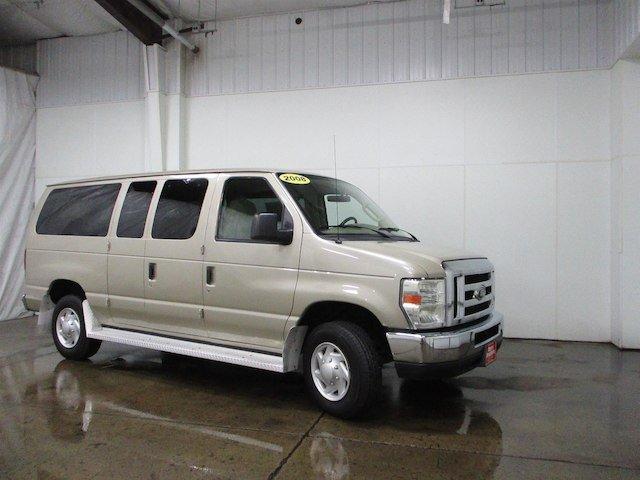 Ford Econoline 2008 $14500.00 incacar.com