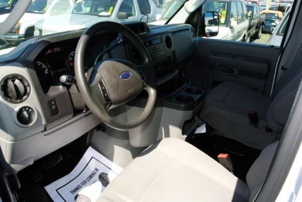 Ford Econoline 2011 $8995.00 incacar.com