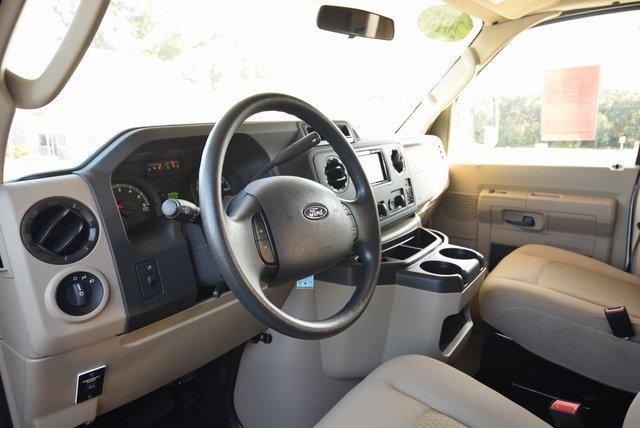 Ford Econoline 2018 $53500.00 incacar.com