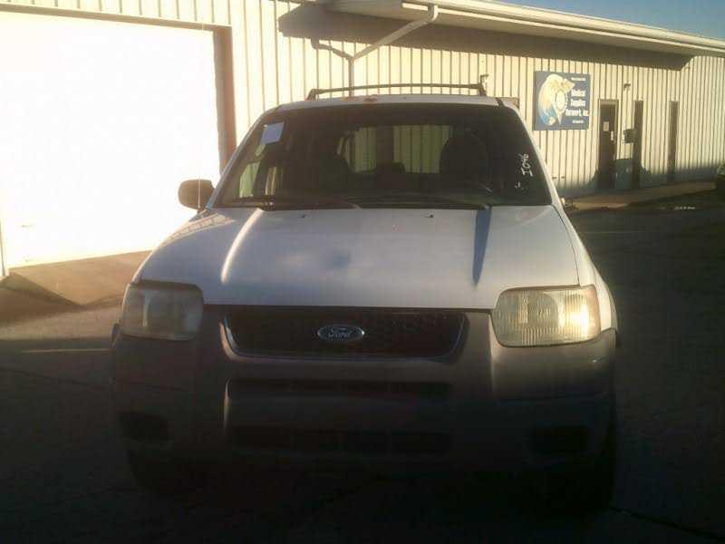 Ford Escape 2002 $2000.00 incacar.com