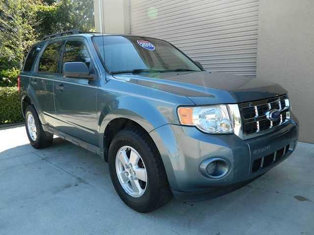 Ford Escape 2010 $8439.00 incacar.com