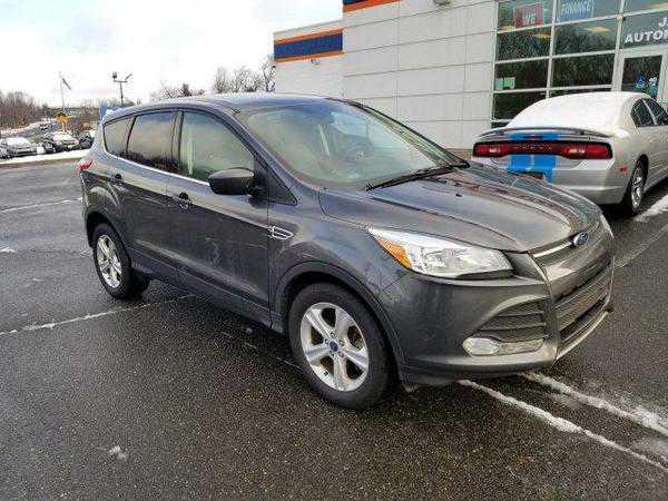 Ford Escape 2015 $13999.00 incacar.com