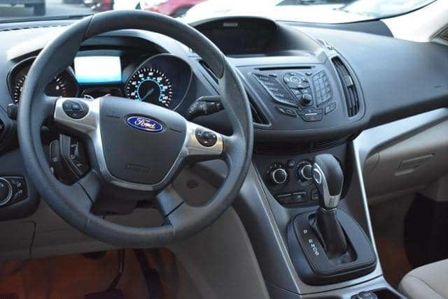 Ford Escape 2016 $19876.00 incacar.com