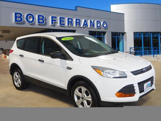 Ford Escape 2016 $16999.00 incacar.com