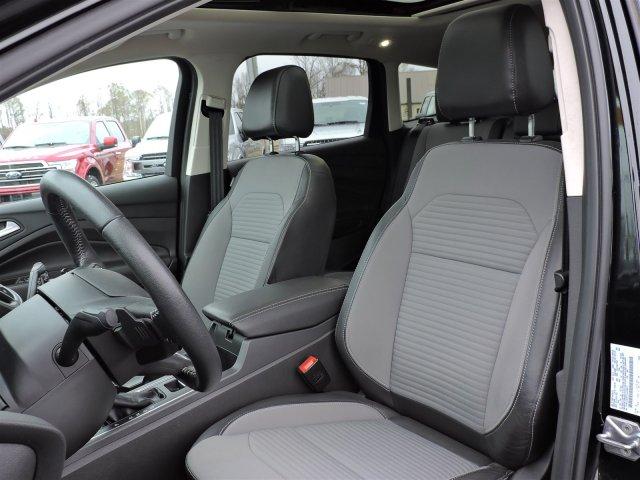 Ford Escape 2017 $24000.00 incacar.com