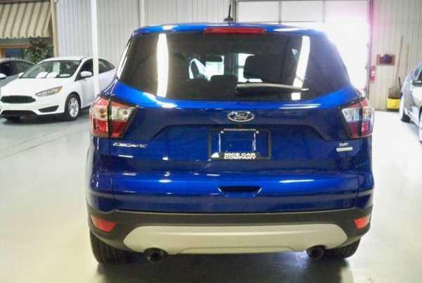 Ford Escape 2017 $18950.00 incacar.com