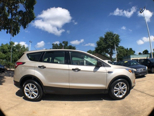 Ford Escape 2017 $16987.00 incacar.com