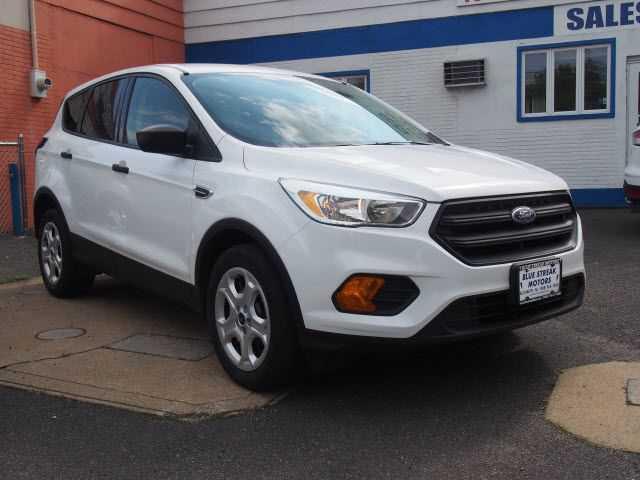 Ford Escape 2017 $12995.00 incacar.com