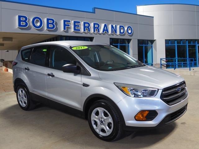 Ford Escape 2017 $17999.00 incacar.com