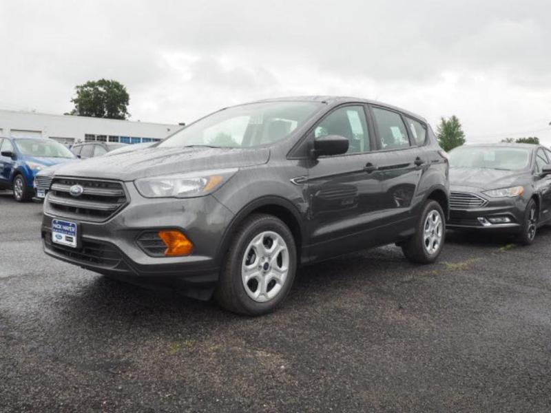 Ford Escape 2018 $22452.00 incacar.com