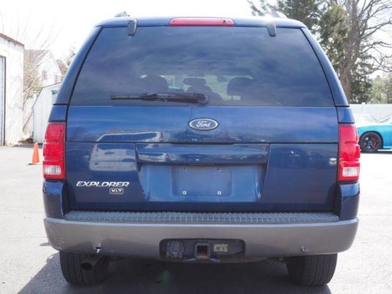 Ford Explorer 2004 $3516.00 incacar.com